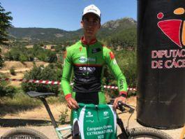 Miguel Benavides gana en Cañamero y suma su segundo Open de Extremadura XCO