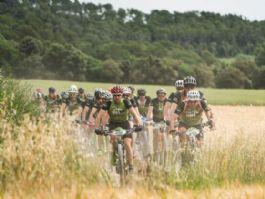 Camprodon recibe a los 400 bikers de Transpyr Coast to Coast
