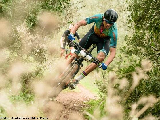 [Imagen: tiago_ferreira_andalucia_bike_race_et3_2..._press.jpg]